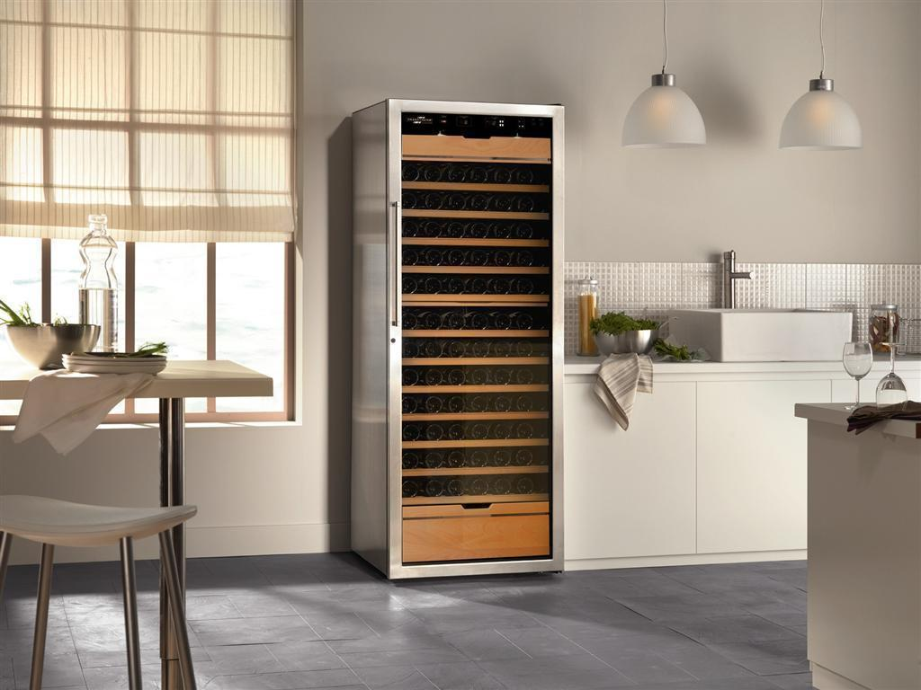mulit use wine cabinet for ageing storing and serving at my wine cabinet. Black Bedroom Furniture Sets. Home Design Ideas