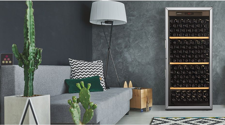 Single temperature wine ageing and storage cabinet