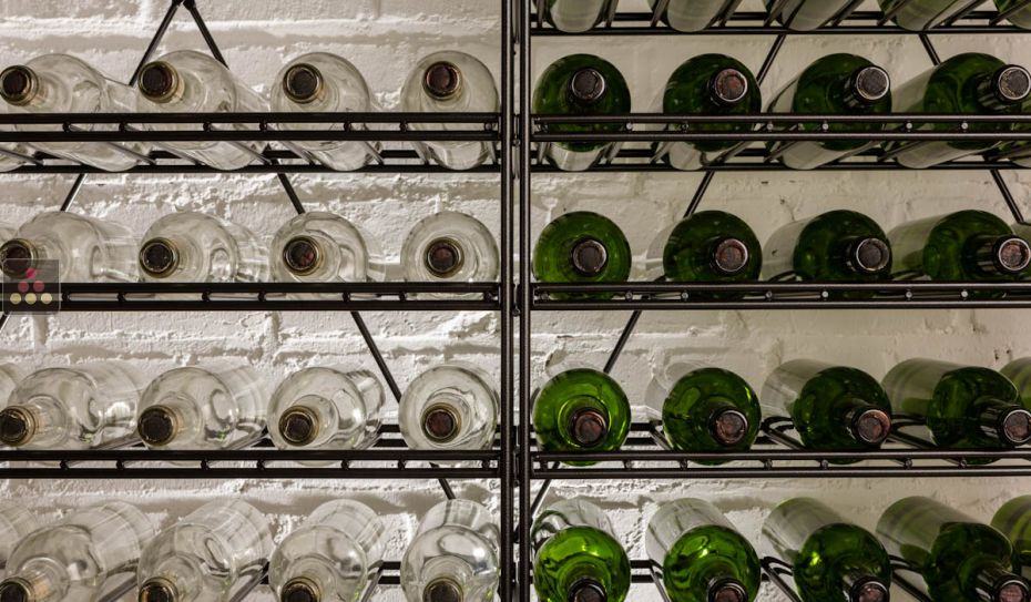 Modular metallic storage unit for 154 bottles - H170cm